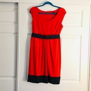 Ann Taylor Women's fit and flare belted dress sz 8